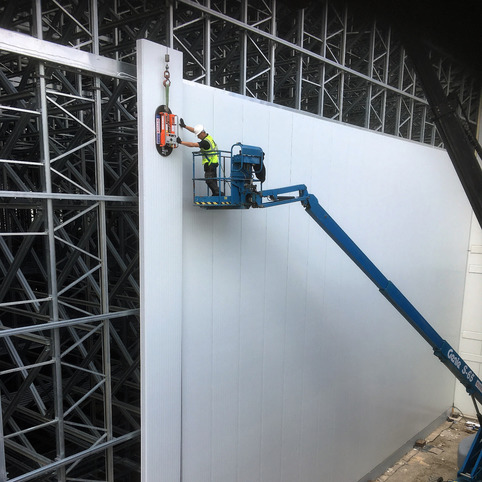 Coldroom panel install using Boom